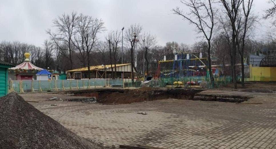 В оккупированном Донецке готовятся устанавливать новое колесо обозрения в парке Щербакова: фото