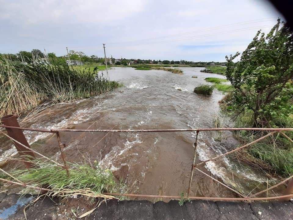 Дождь, град, ураган: на часть Донетчины обрушилось стихийное бедствие (фото последствий)